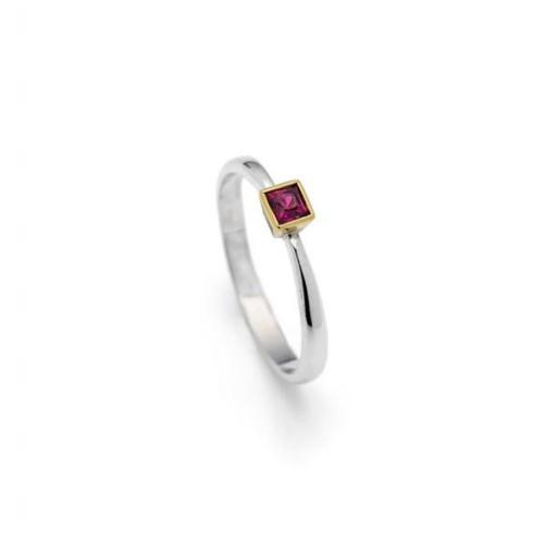 Handmade 18ct White Gold, tapered band, with 2.5mm square Ruby set into 18ct Yellow gold square cone shaped setting.